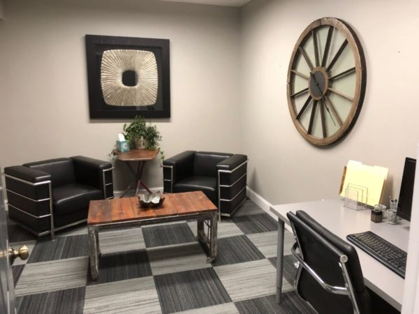 Private meeting room/ office